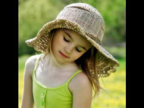 دانلود آهنگ Little Girl – ترجمه متن آهنگ Little Girl