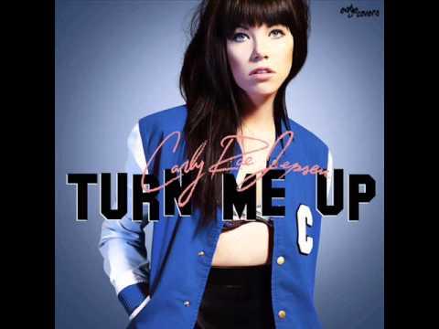متن و دانلود آهنگ Turn Me Up از Carly Rae Jepsen