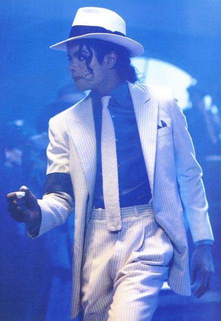دانلود آهنگ Smooth Criminal و ترجمه متن فارسی از Michael Jackson