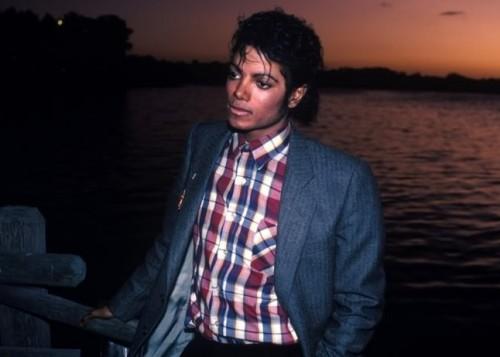 ترجمه متن و دانلود آهنگ Human Nature از Michael Jackson
