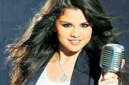 ترجمه متن و دانلود آهنگ Like A Champion از Selena Gomez