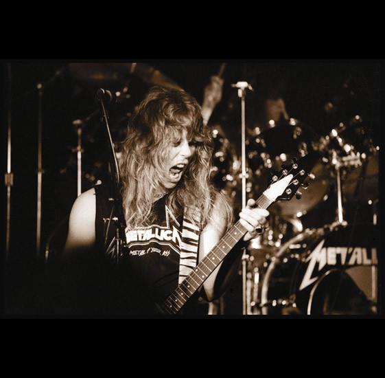 ترجمه متن و دانلود آهنگ Fade To Black از Metallica