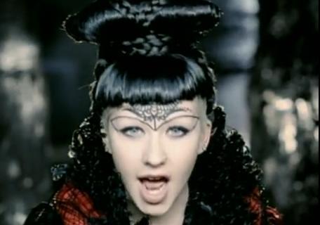 دانلود آهنگ Fighter از Christina Aguilera با ترجمه متن آهنگ فارسی