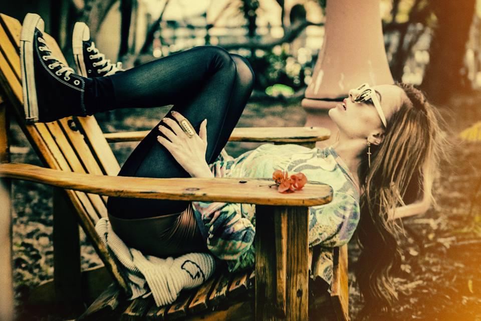 دانلود آهنگ Thanks For Leaving از Alexandra Stan با ترجمه متن آهنگ فارسی