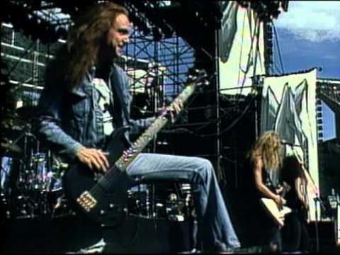 دانلود آهنگ For Whom the Bell Tolls از Metallica با ترجمه متن آهنگ فارسی